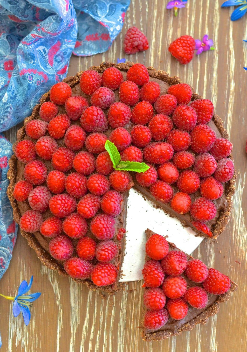 healthy-raspberry-chocolate-fidge-tart-1